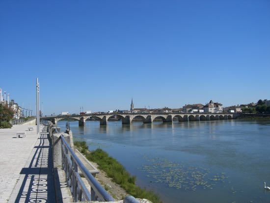 Pont de Saint- Laurent i Macon